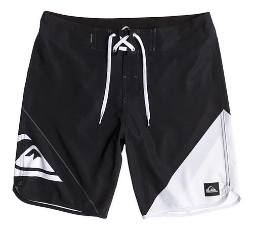 Černobílé značkové pánské plavky Quiksilver New Wave - Levné pánské ... cb662235aa